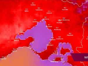 Heatwave causing highway in NSW to melt