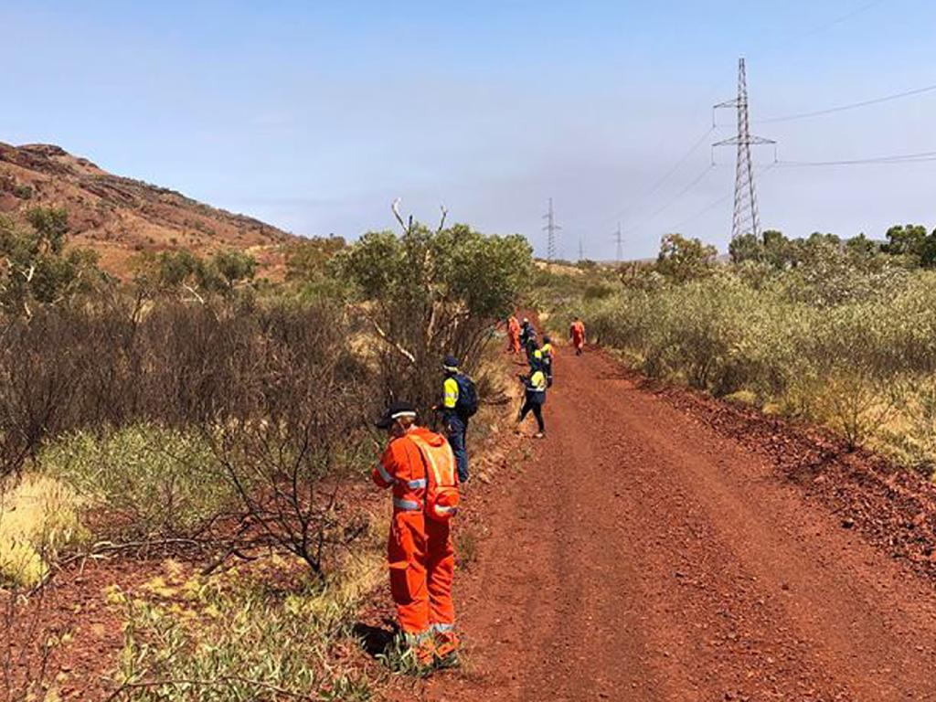 SES volunteers worked in the desert to find clues. Picture: WA Police