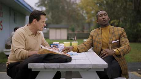 Viggo Mortensen (Tony Lip) and Mahershala Ali (Dr Don Shirley) in Green Book.