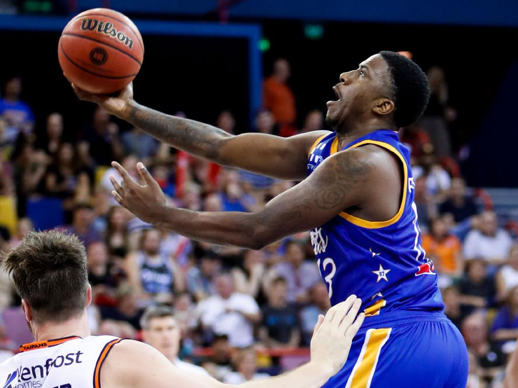 Lamar Patterson in action for the Bullets on Saturday night. Picture: AAP