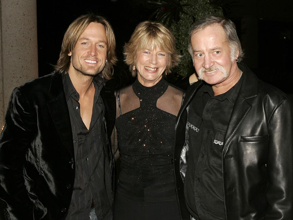 Keith Urban with his parents Marienne and Bob at the 52nd Annual BMI Country Awards in November 2004 in Nashville, Tennessee. Picture: Rusty Russell/Getty Images