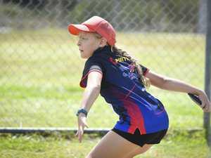 Lara Maxwell - U10 discus.