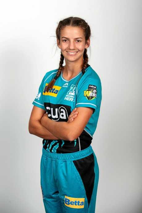 Mackay teenager Charli Knott, 15, was selected for Brisbane Heat's 2018/19 WBBL squad.