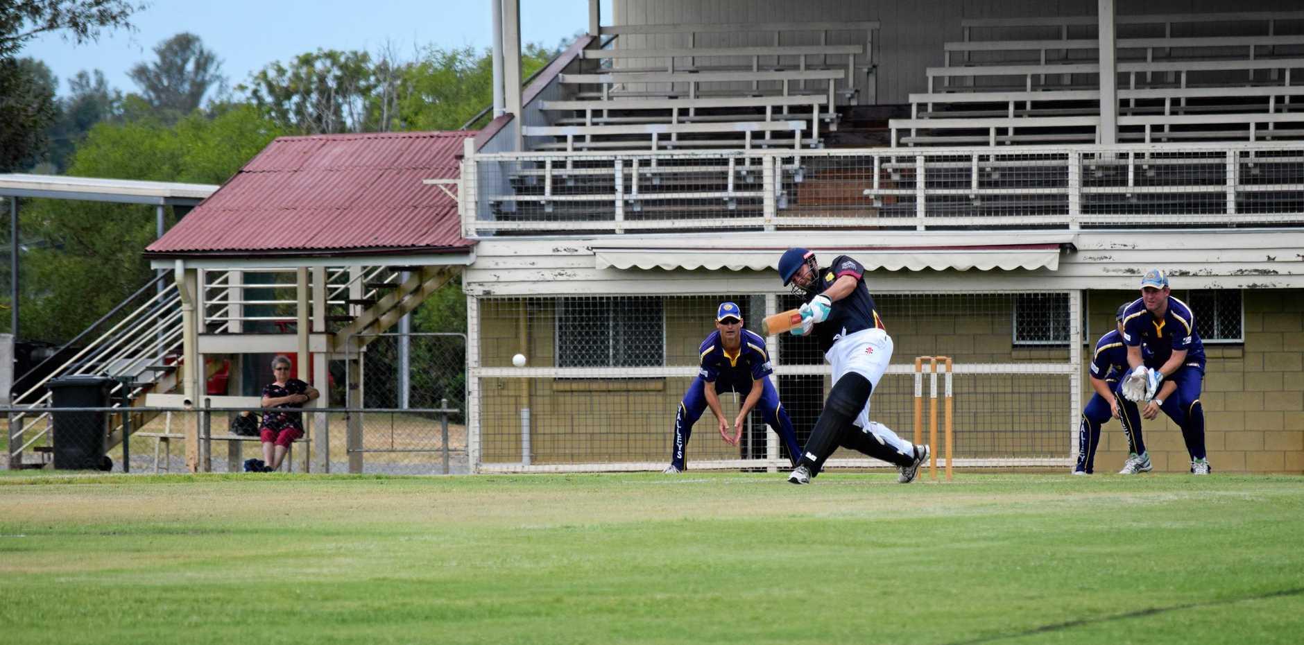Cricket Photo's - Harlequin's player, Todd Keogh