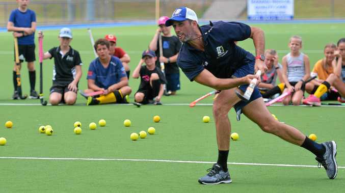 TOP SHOT: Olympians Jodie Kenny and Mark Knowles (pictured) hosted a hockey coaching clinic for juniors on Sunday.