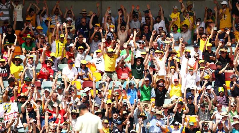 BRISBANE, AUSTRALIA - NOVEMBER 25: The crowd do the wave during day three of the First Test Match of the 2017/18 Ashes Series between Australia and England at The Gabba on November 25, 2017 in Brisbane, Australia. (Photo by Mark Kolbe/Getty Images)