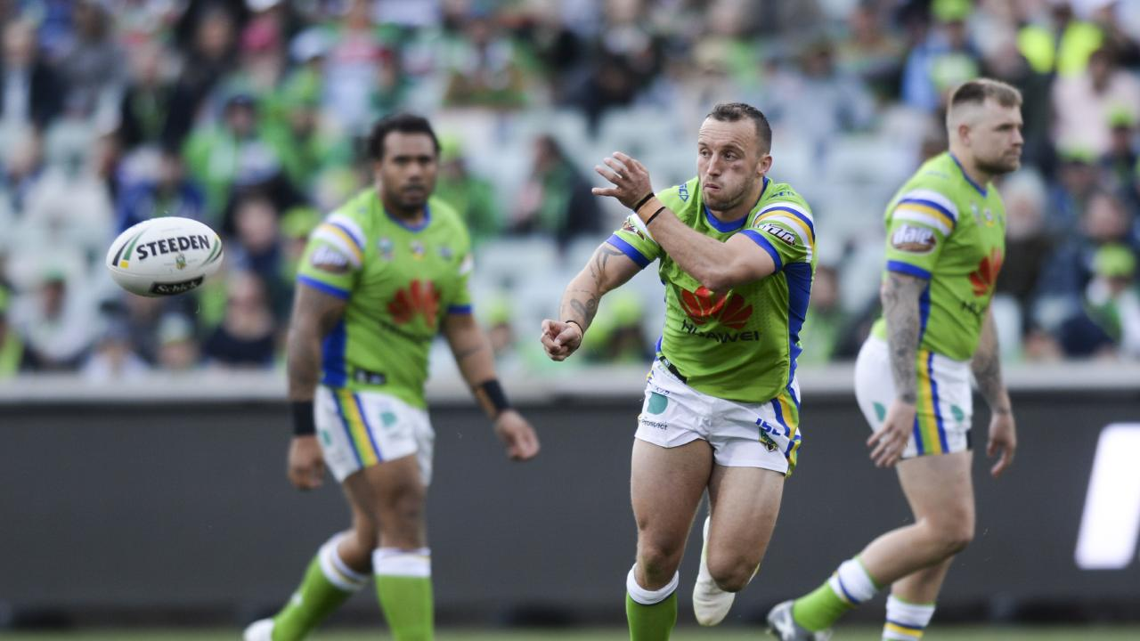 Josh Hodgson of the Raiders during the Round 24 NRL match between the Canberra Raiders and the South Sydney Rabbitohs at GIO Stadium in Canberra, Saturday, August 25, 2018. (AAP Image/Rohan Thomson) NO ARCHIVING, EDITORIAL USE ONLY