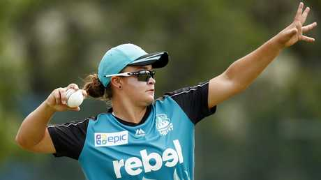 Barty even took up cricket with WBBL's Brisbane Heat. (Colleen Petch)