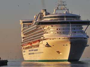 Cruise ship returns to Aus after passenger goes missing
