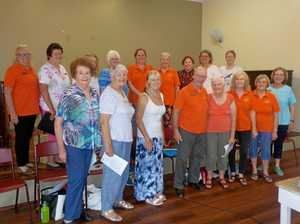 Group calls for singers to join in the chorus