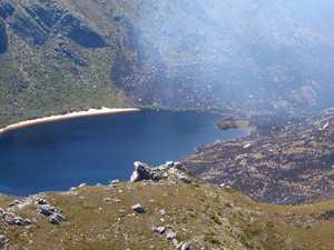 Bushfires blaze across Tasmania
