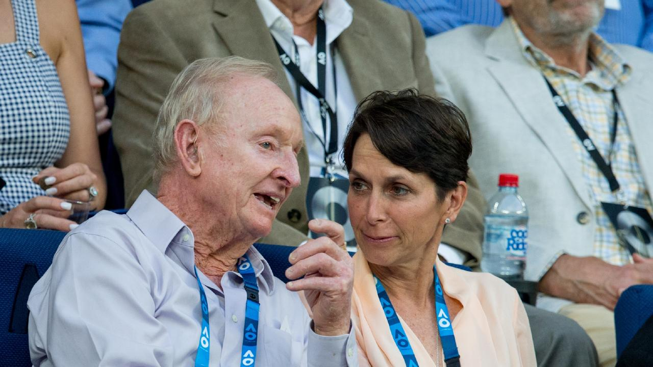 Tennis great Rod Laver (L) believes the Davis Cup is on its last legs.