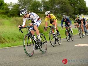 Cyclists head-to-head in shootout