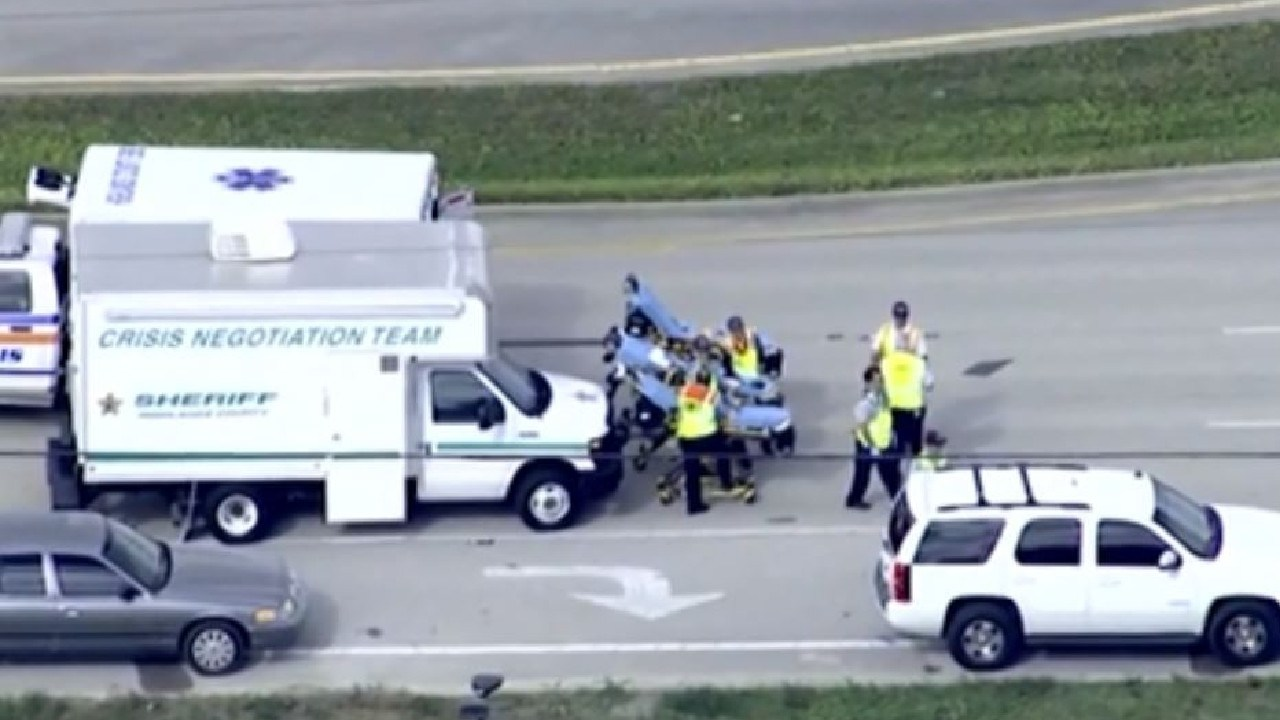 Five people have been killed in a hostage situation at a bank in Sebring in Florida. Picture: WFLA