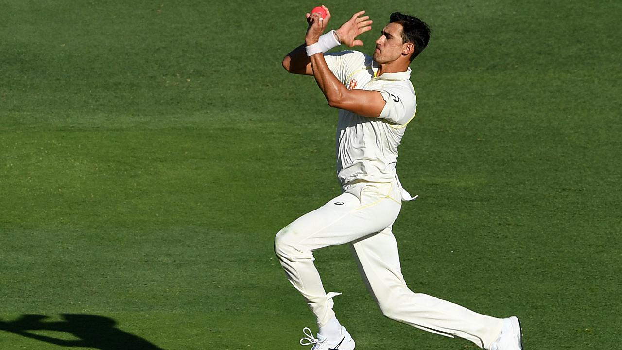 Nathan Lyon said criticism of Mitchell Starc's form was unfair.