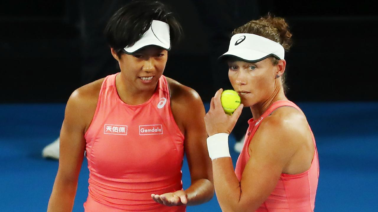 MELBOURNE, AUSTRALIA - JANUARY 23: Shuai Zhan of China and Samantha Stosur of Australia in the women's semi final match against Barbora Strycova and Marketa Vondrousova of the Czech Republic during day 10 of the 2019 Australian Open at Melbourne Park on January 23, 2019 in Melbourne, Australia.]. (Photo by Michael Dodge/Getty Images)