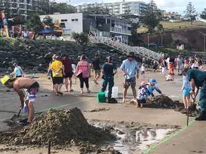 Crowds flock to Yeppoon beach for Oz Day sand castle comp