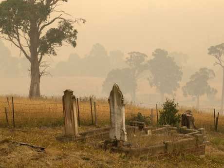 Bush fires January 2019 Tasmania. Smoke settles at Geeveston after the wind speed dropped. Picture: CHRIS KIDD