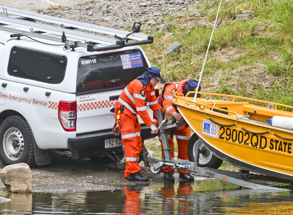 A tip-off has sparked a police search of the river at Kholo.