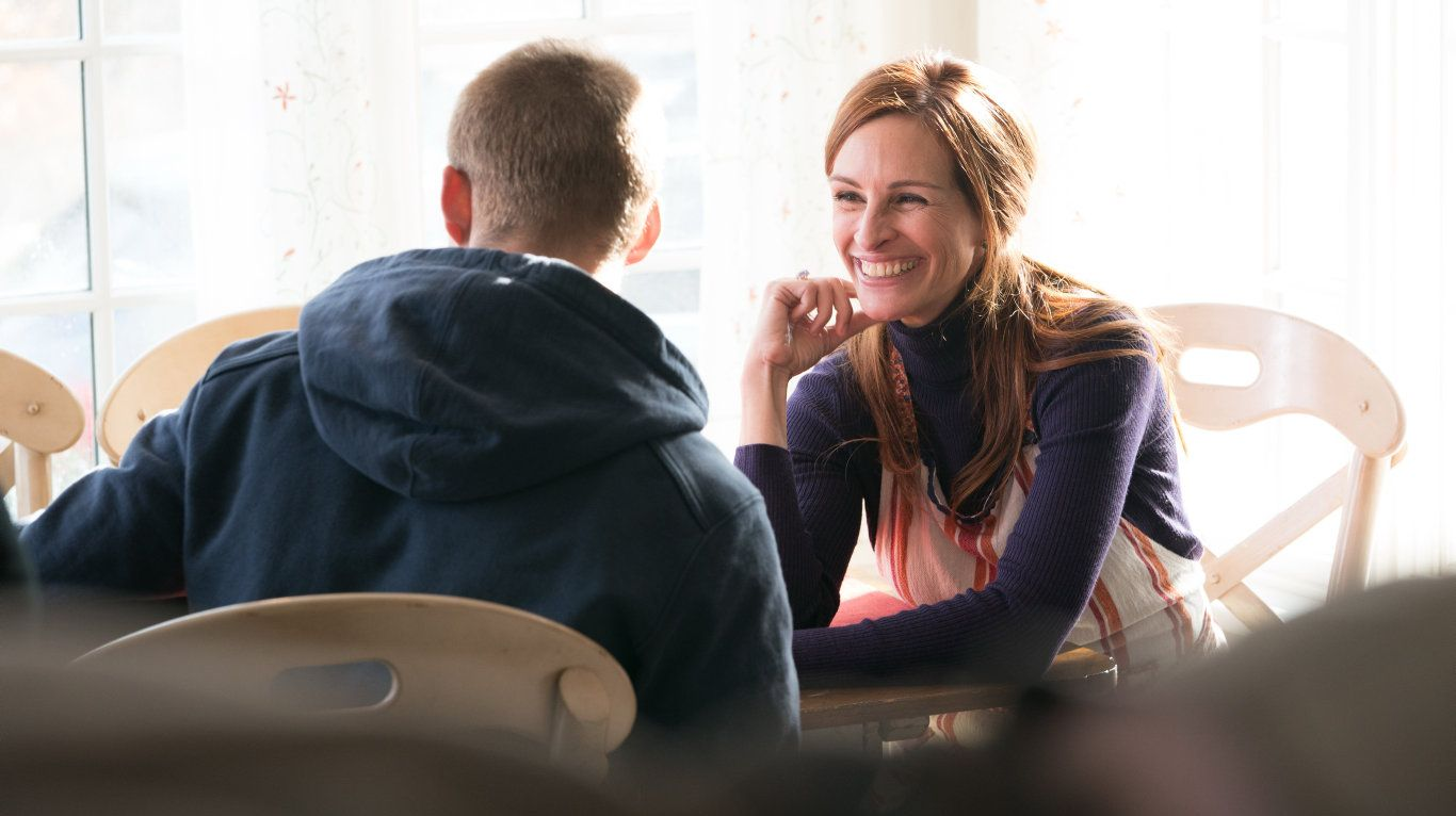 Lucas Hedges and Julia Roberts in a scene from the movie Ben Is Back.