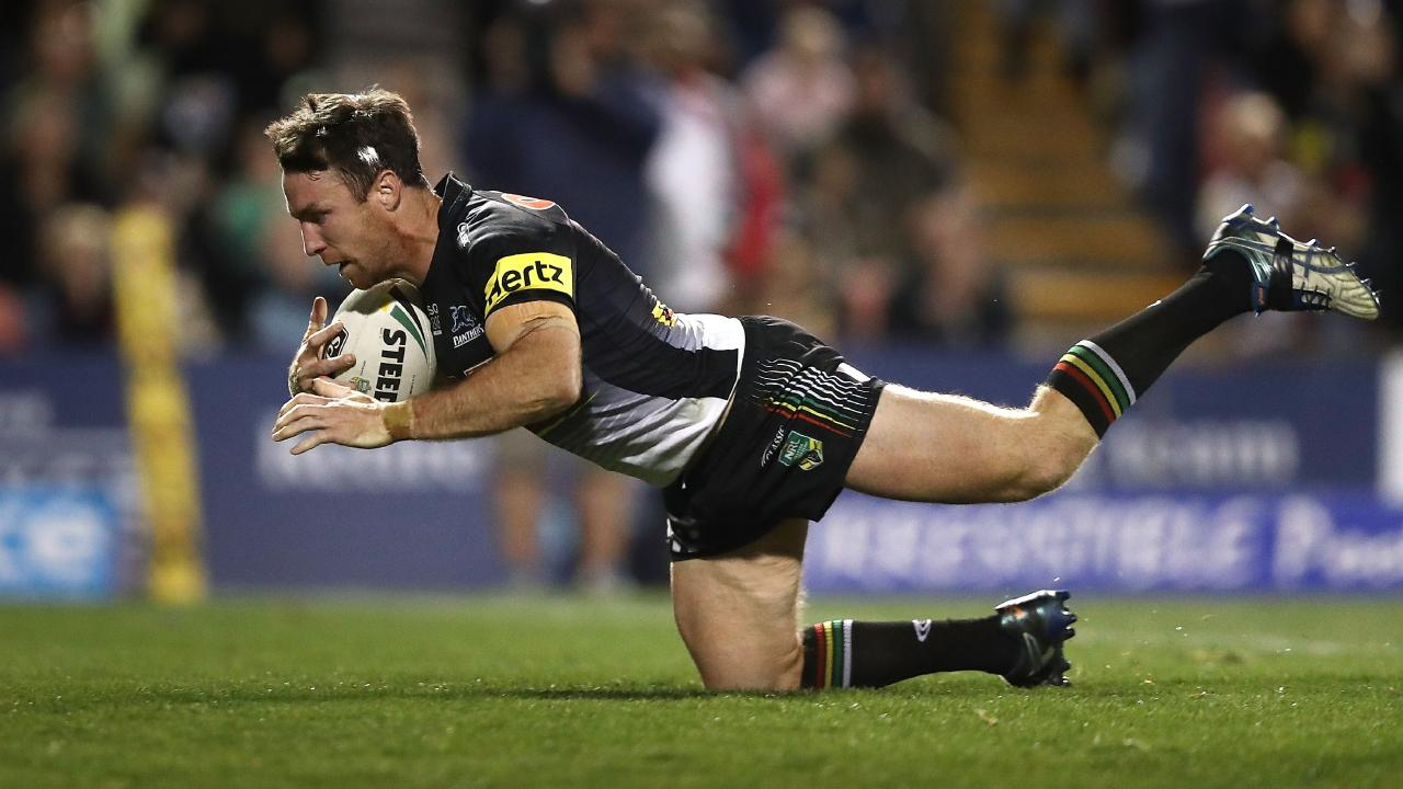 PENRITH, AUSTRALIA - AUGUST 05: James Maloney of the Panthers crosses to score the winning try during the round 21 NRL match between the Penrith Panthers and the Canberra Raiders at Panthers Stadium on August 5, 2018 in Penrith, Australia. (Photo by Ryan Pierse/Getty Images)