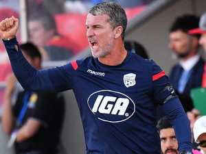 Brisbane Roar consider poaching coach
