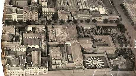 An aerial photo of Melbourne Gaol as it appeared in 1922.