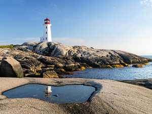 Canadian fishing community Peggy's Cove lives up to hype
