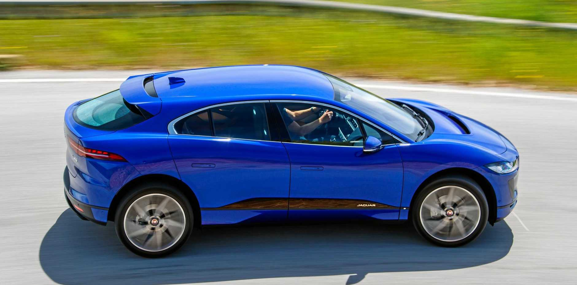 I-PACE S EV400 Caesium Blue.
