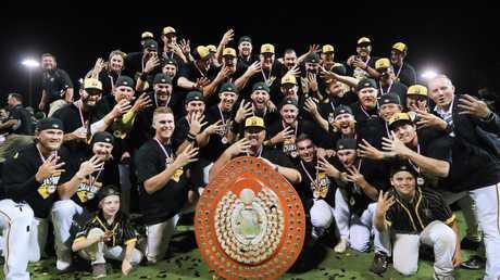 Brisbane Bandits with the prestigious Claxton Shield. (Brisbane Bandits) - Photo: SMPIMAGES.COM /ABL Media.