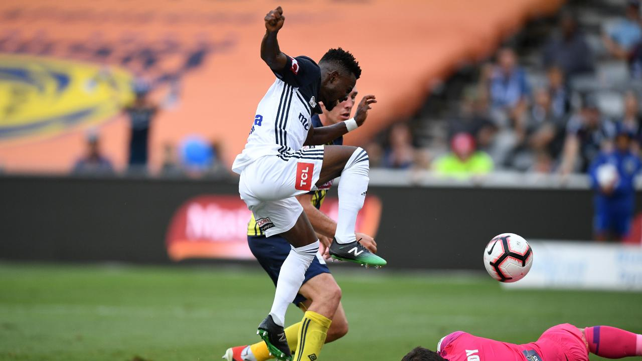 Elvis Kamsoba of Victory takes a shot at goal