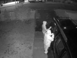 WATCH: Thieves try to steal car in Newtown
