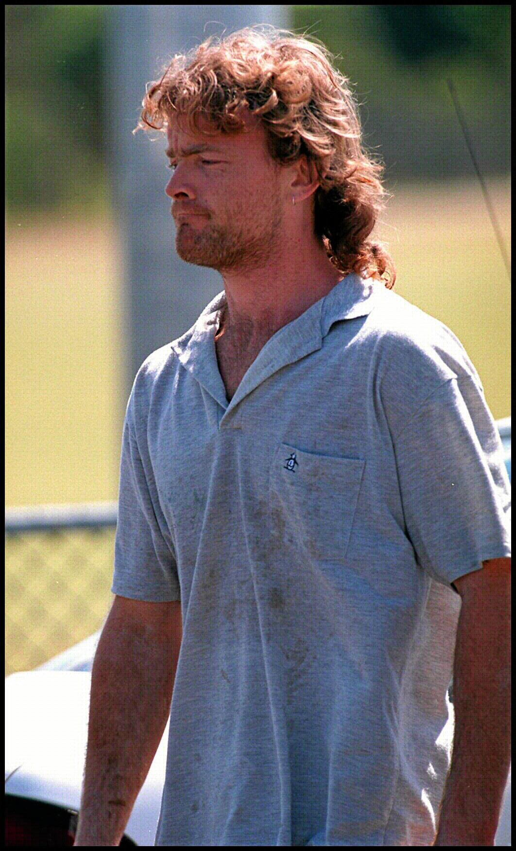 Labourer Paul Stephen Osborne (27) outside Kawana Waters Police Station, 29 oct 1995, accused of murdering Leanne Oliver (10) & her friend Patricia Leedie (9) at Warana Beach  Kawana Waters, Sunshine Coast. Pic Patrick/Hamilton. F/L  Qld / Crime / Murder headshot alone