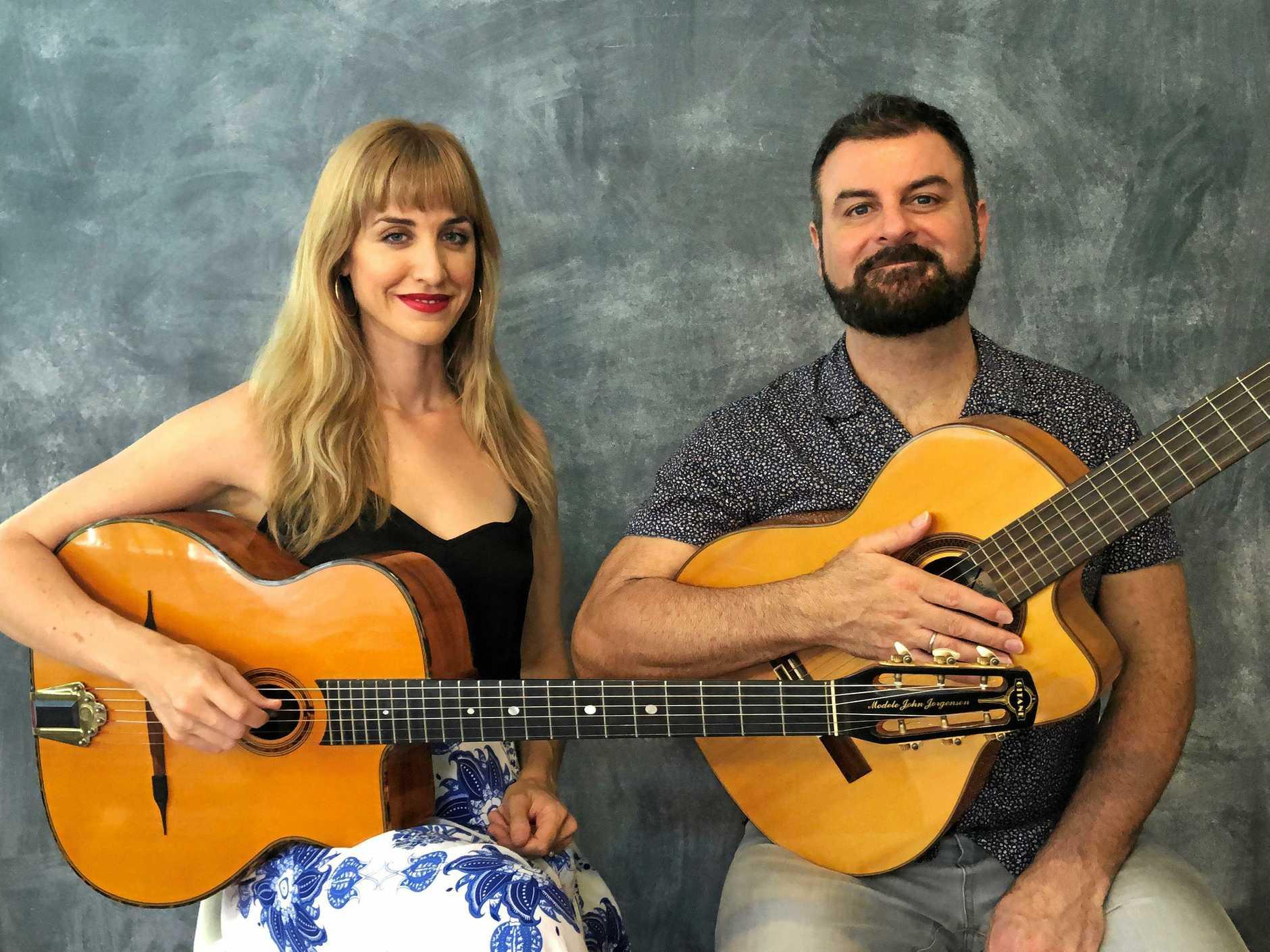 Jazz duo Cameron de la Vega and Miranda Deutsch.