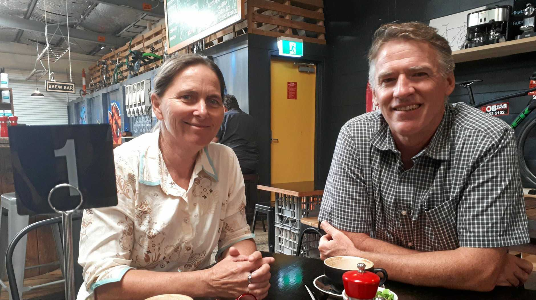 Independent candidate for the state seat of Coffs Harbour Sally Townley meets with Independent candidate for Cowper Rob Oakeshott.