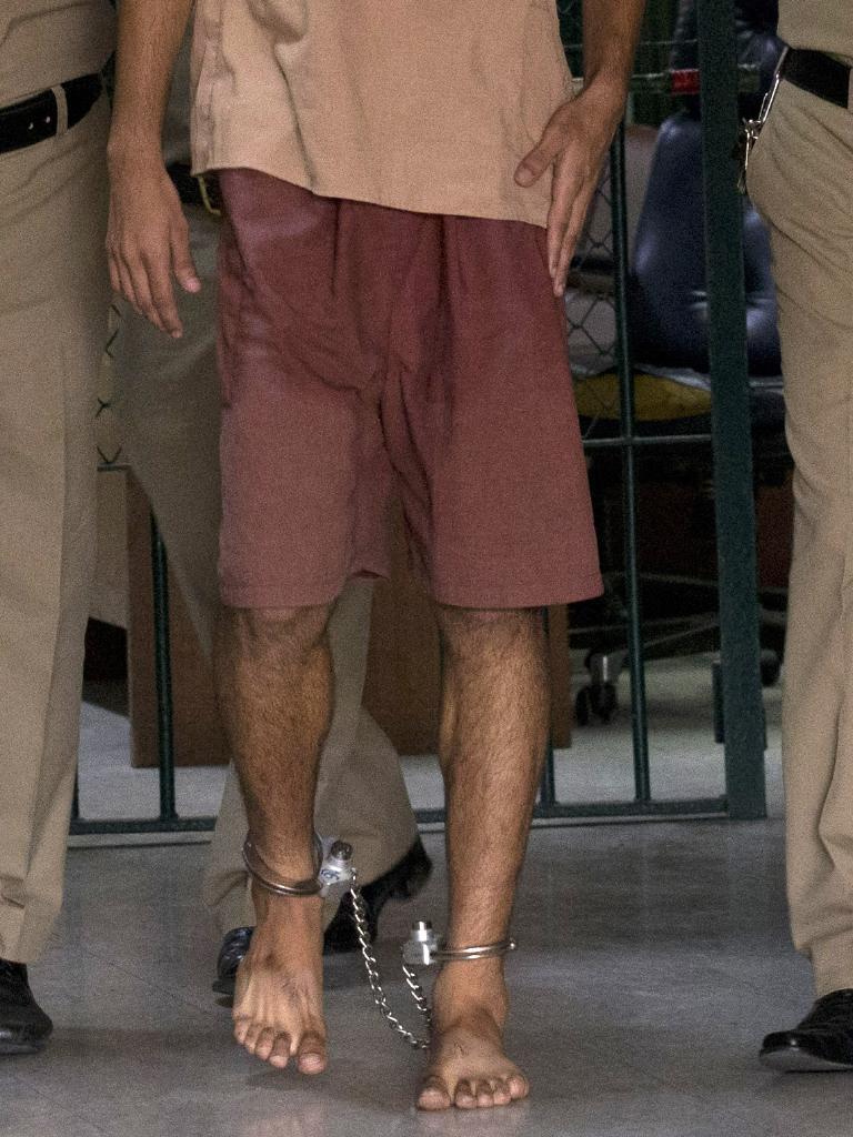 Bahraini Hakeem al-Araibi in shackles.