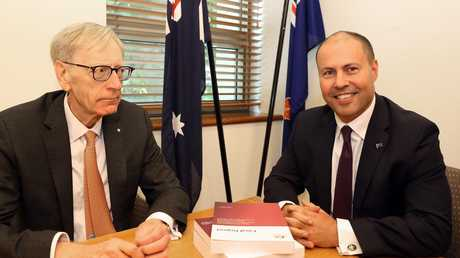 Commissioner Kenneth Hayne and Treasurer Josh Frydenberg's frosty media shoot before the banking royal commission's final report was released.
