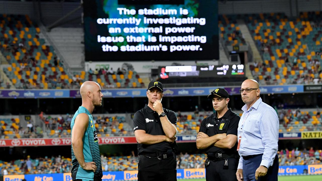 The blackout at the Gabba has kept the Heat's finals hopes alive. (AAP Image/Darren England)