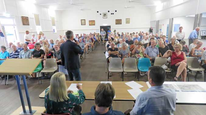 PUBLIC GATHERING: MPs Sandy Bolton, Marty Hunt and Noosa Mayor Tony Wellington front  200 Cooroy  residents .