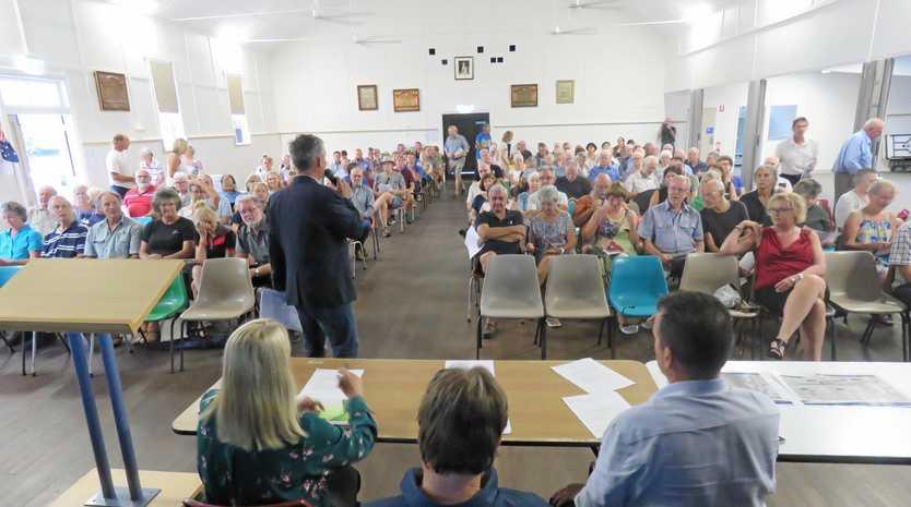 PUBLIC GATHERING: MPs Sandy Bolton, Marty Hunt and Noosa Mayor Tony Wellington front  200 Cooroy  residents .