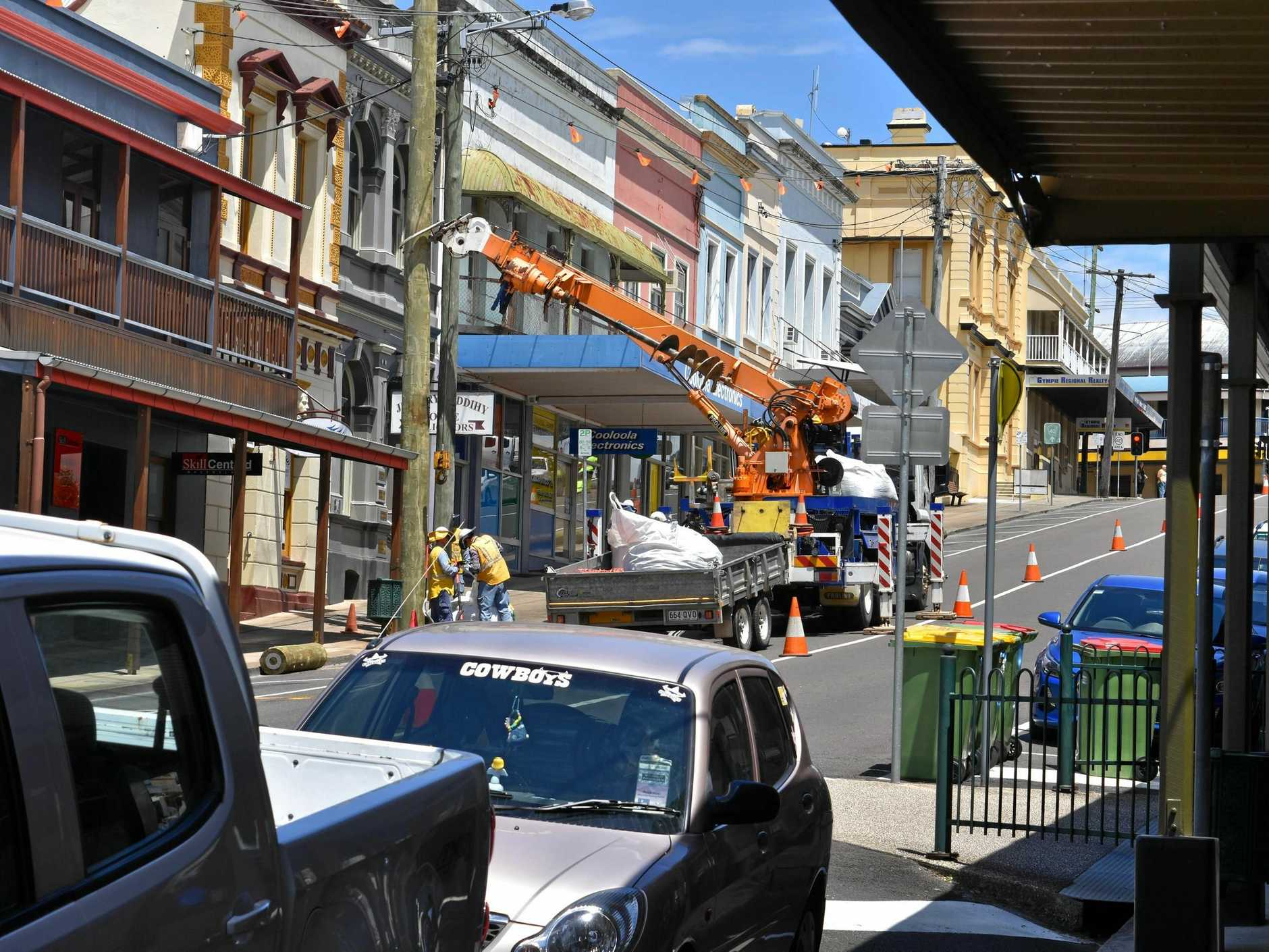 Energex replaces power lines and poles on Upper Mary St Gympie