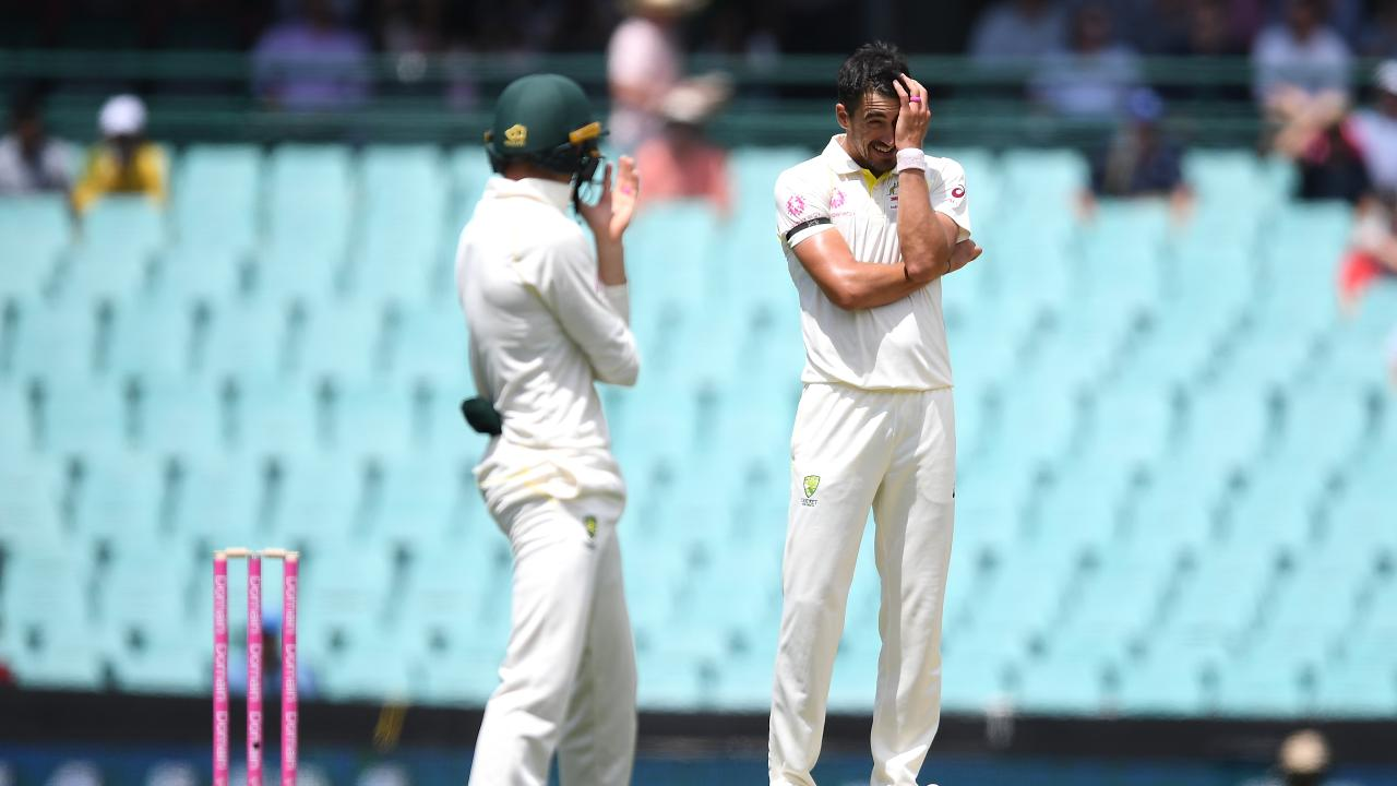 Mitchell Starc reportedly has an upper-body injury. Picture: AAP