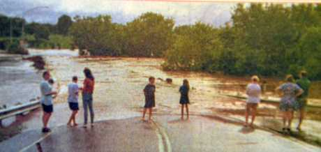 1999 FLOOD: Gympie residents near Kidd Bridge on the evening of Monday the 8th, as the Mary River steadily rose, few realised what was about to happen over the next 24 hours.