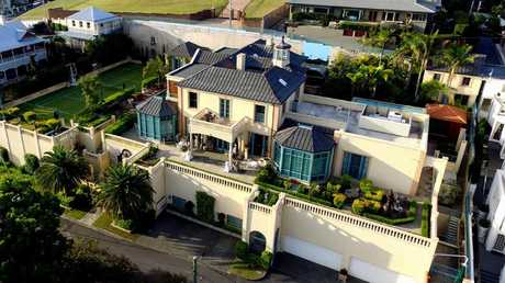Aerial image of 36 Dickson Tce, Hamilton. Former home of Christopher Skase. Unknown copyright.