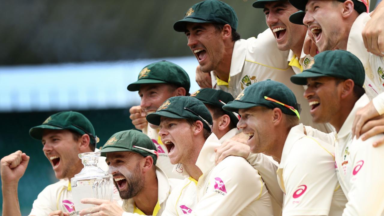 Steve Smith (C) will return to spearhead Australia's batting. Picture: Getty