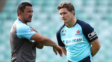 Waratahs coach Daryl Gibson talks to captain Michael Hooper.