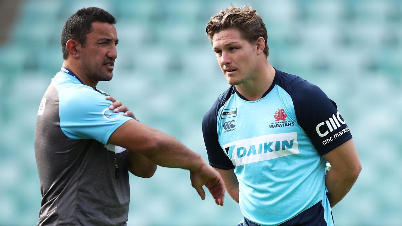 Waratahs coach Daryl Gibson talks to captain Michael Hooper.