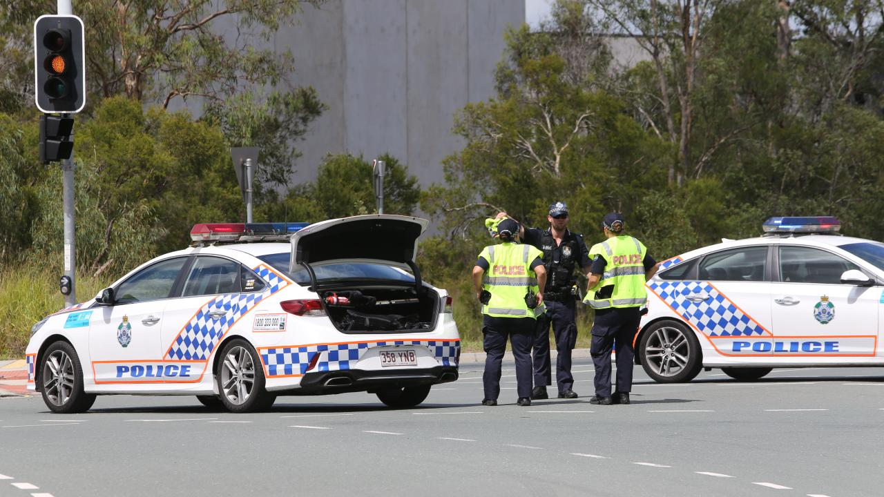 Police at the scene of the shooting. (AAP Image/Richard Waugh).