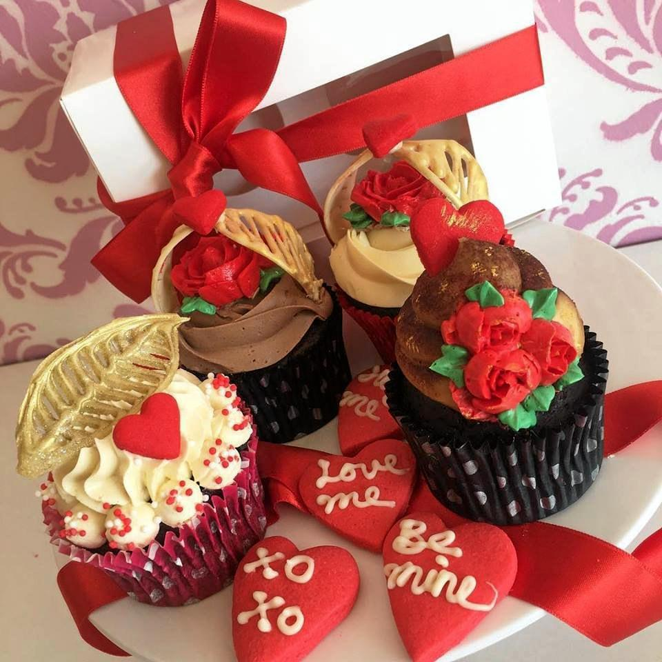 CRAVE CUPCAKES: Valentine's Day special gold and rose cupcakes.