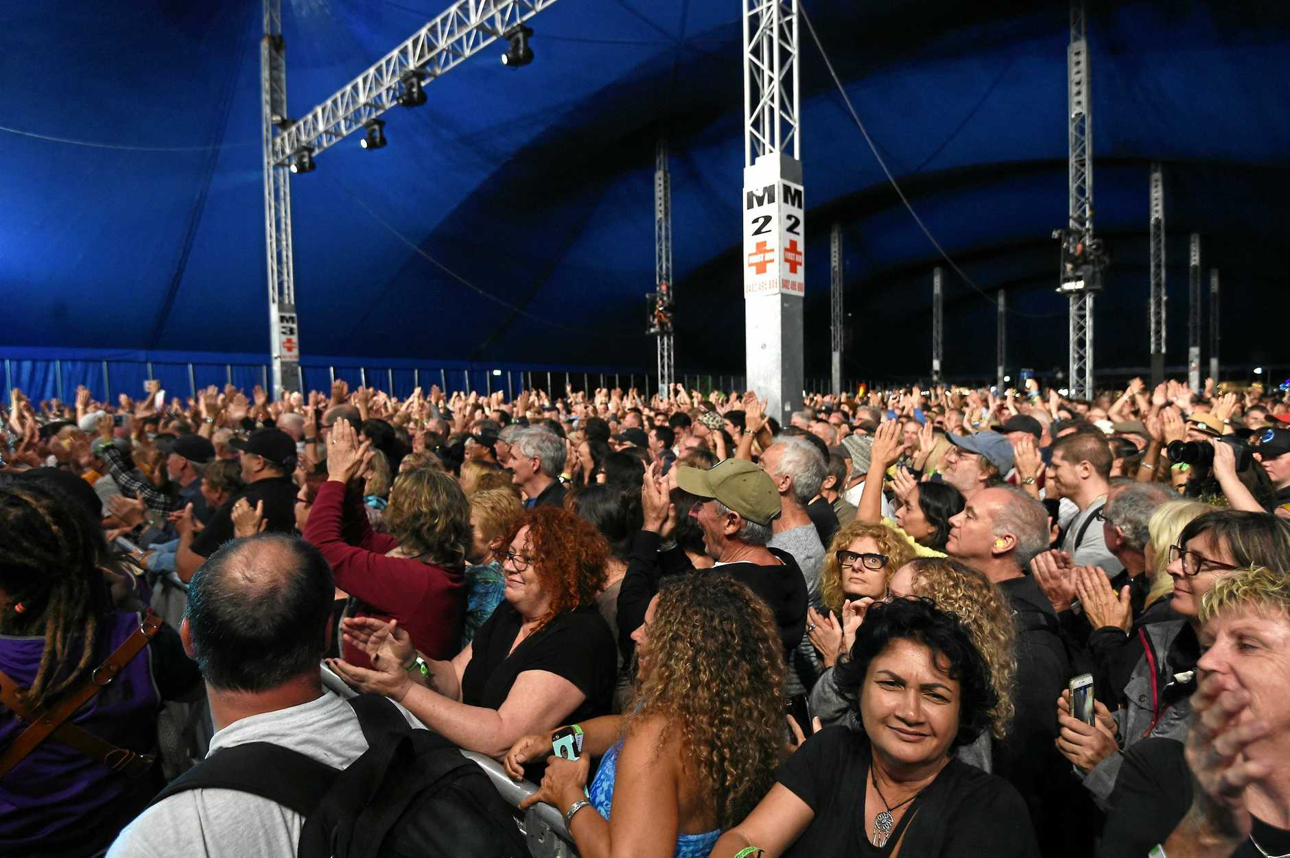 The crowd watches The Doobie Brothers at Bluesfest.